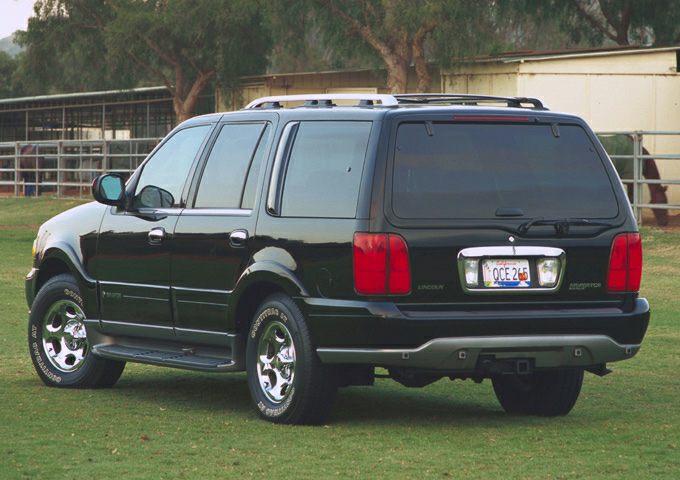 2002 Lincoln Navigator Exterior Photo