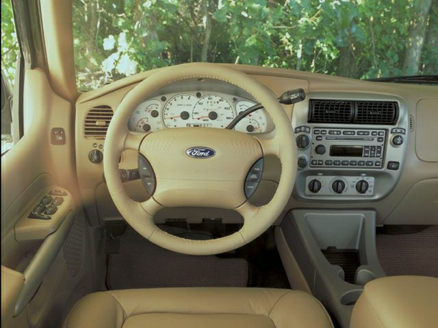 2002 Ford Explorer Sport Trac Pictures