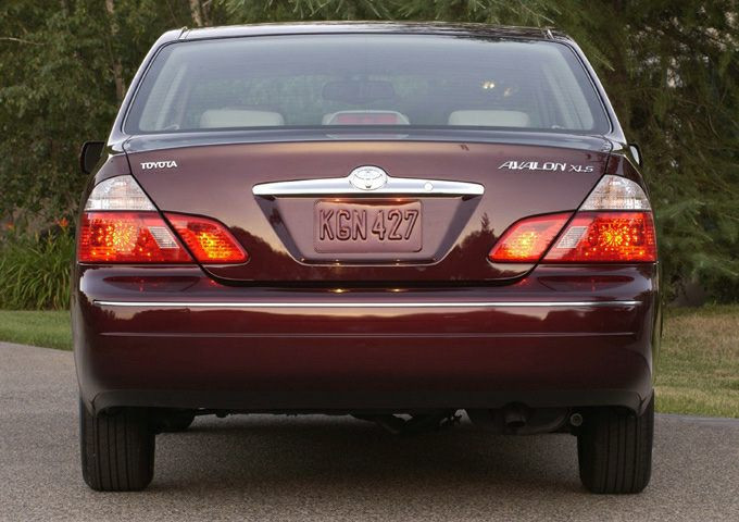 2003 Toyota Avalon Exterior Photo