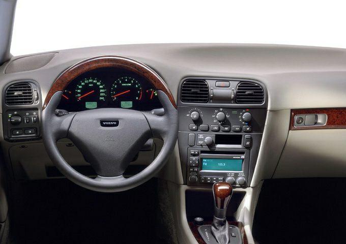 2004 Volvo V40