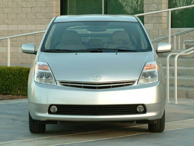 2004 Toyota Prius Exterior Photo