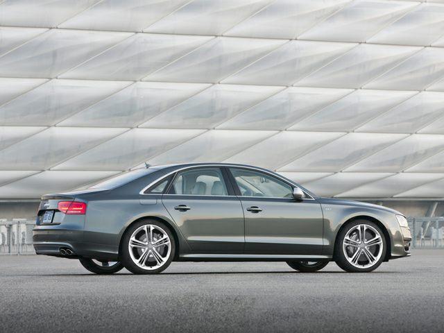 2013 Audi S8 Exterior Photo
