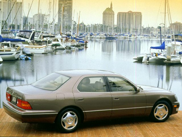 1999 LS 400