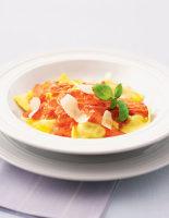 Ravioli with Tomato & Cream Sauce
