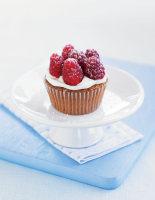 Raspberry Amaretti Cakes