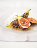 Figs with Yogurt & Honey