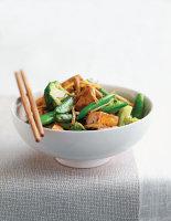 Stir-Fried Tofu with Basil & Chilli