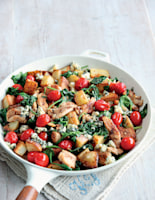Chicken with Potatoes, Spinach and Blue Cheese