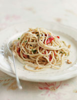 Red Pepper and Walnut Spaghetti