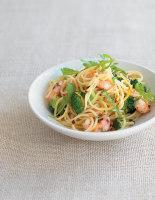 Spaghetti with Broccoli, Lemon and Prawns