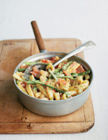 Spicy Smoked Salmon, Pea and Asparagus Pasta