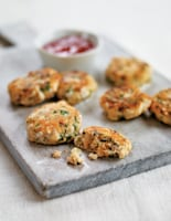 Thai Fishcakes with Dipping Sauce