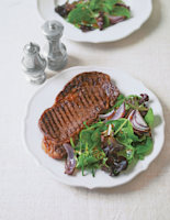 Peppered Steak and Red Onion Salad
