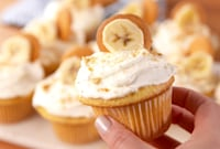 Banana Pudding Cupcakes Prove It's What's on the Inside That Counts