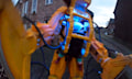 Karnevals-Edition: Baby im Aliens-Power-Loader-Kostüm mit mehr Details und Sound-Effekten (Video)