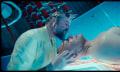 Zero Theorem Trailer: Christoph Waltz versucht die Sinnlosigkeit des Lebens zu beweisen