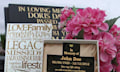 Digital Memorial: Grabsteine mit Barcode