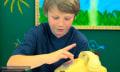 Video: Wie reagieren Kinder von heute auf ein Wählscheibentelefon?