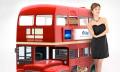 Smart Hundehütte im Doppeldeckerbus-Design mit Dog Entertainment, Auto-Fütterung und -Reinigung
