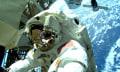 Wasser im Helm: Weltraumausflug vorzeitig beendet (Video)