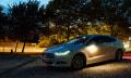 Um die Ecke: Neues Licht für neue Autos