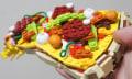 Mahlzeit: Banane, Pizza und Eis aus Lego