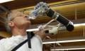 Segway-Erfinder stellt Armprothese vor (Videos)