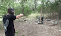 Video: Was wirklich passiert, wenn man auf Vorhängeschlösser schießt