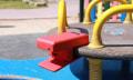 Hybrid Play: Spielplatz als Controller für Smartphone-Spiele
