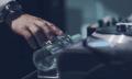 Geht nicht, ist nicht: DJ-Set mit Armbanduhr (Video)