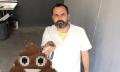 Emojis anamórficos se cuelan en el palo para selfies (vídeo)