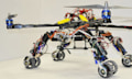Für Rettungsaktionen: Drohne kombiniert mit Schlangenbots (Video)