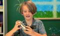 Video: Wie Kinder von heute auf eine 35-mm-Kamera reagieren