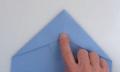 Video: Wie man einen Weltrekord-Papierflieger bastelt