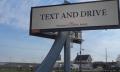 Makabere Werbung für Bestattungsinstitut fordert: Simst beim Autofahren!