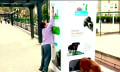 Recycling-Maschine füttert streunende Hunde und Katzen