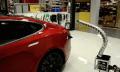 Video: Tesla zeigt stromspuckende Roboterschlange