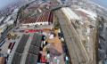 Street Art für Drohnen: 80-Meter-Mann döst neben Schienenstrang