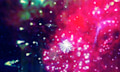 Video: In Slow Motion mit dem Quadrocopter durchs Feuerwerk fliegen
