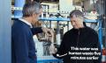 Video: Bill Gates schlürft einem Becher Urin (ganz frisch aufbereitet)