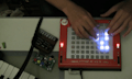 DIY: Beats droppen mit Monome und Etch-A-Sketch (mit Video)