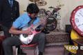 「世界最速」のギタリスト降臨!1600BPM、未知の領域で弾きまくる男がハンパない【動画】