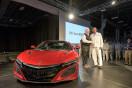 ホンダ新型「NSX」、米国で量産第一号車を納車!