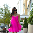 Street style tip of the day: Neon pink