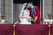 Duke and Duchess of Cambridge flirt on romantic pub date