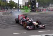 ​Video: Max Verstappen crashes F1 car at his public debut