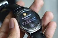 Samsung finally has an elegant smartwatch in the Gear S2