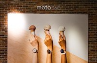 Motorola's Chicago flagship store is the antithesis of an Apple store
