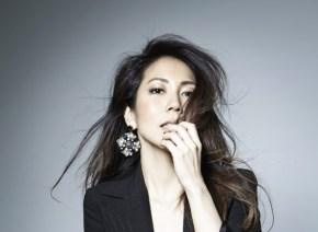 露崎春女が100%アカペラによるミニアルバムをリリース!