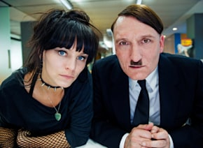 世界中を沸かした超問題アリベストセラーを実写化『帰ってきたヒトラー』試写会に10組20名様ご招待